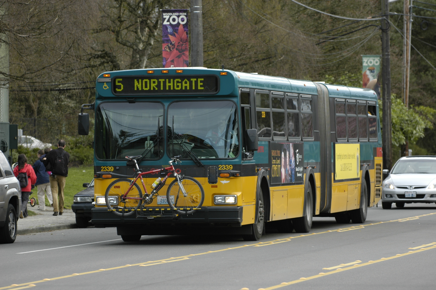 Bus to Woodland Park Zoo
